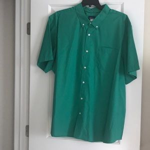 Big mans green short sleeve shirt